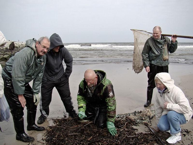 Usteccy poławiacze bursztynu i bursztynowe śmieci