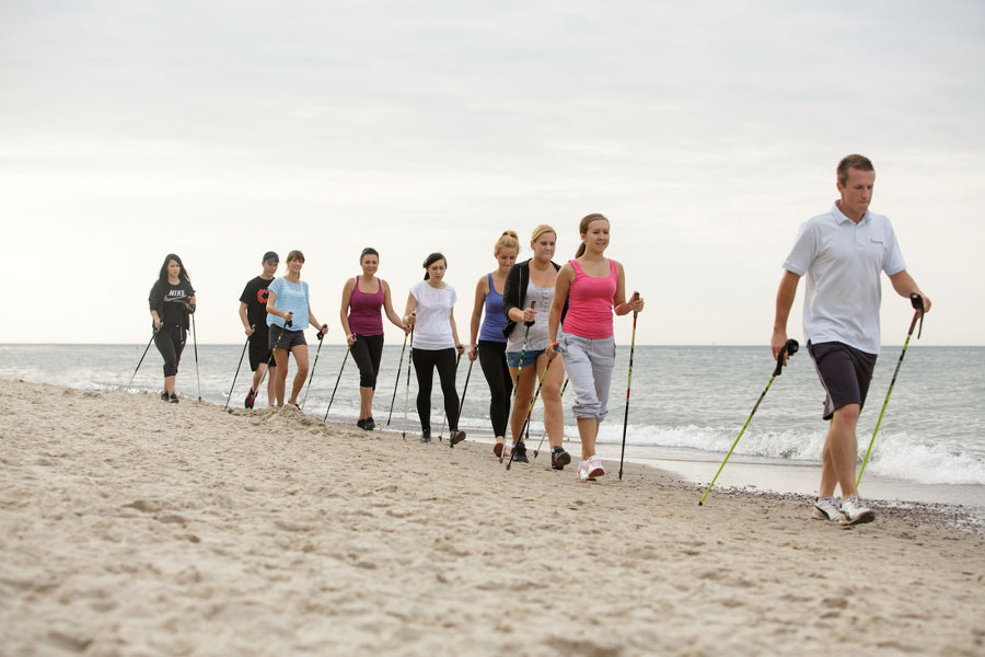 Nordic Walking na plaży - uczta dla ciała i ducha